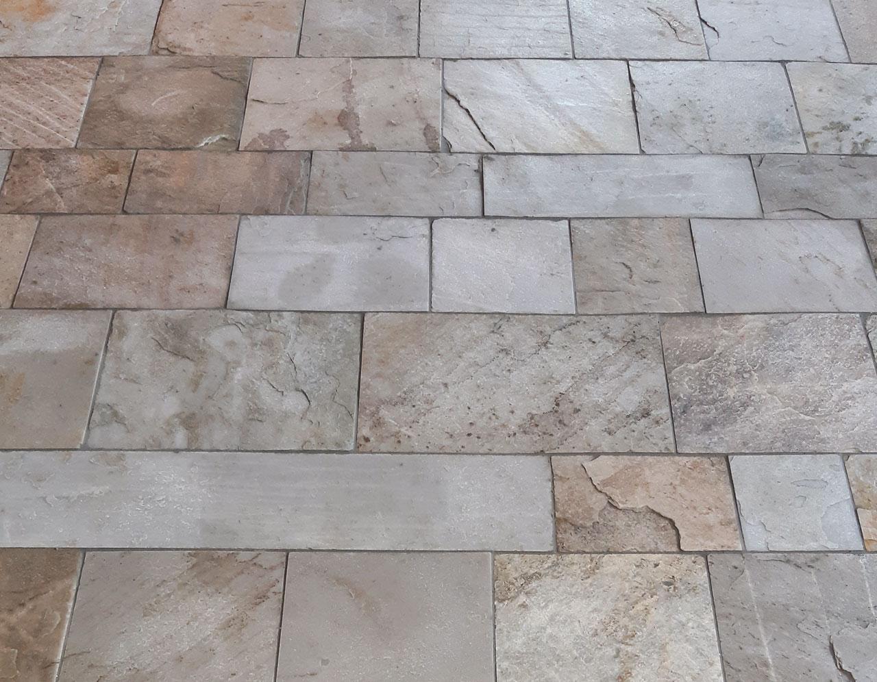 Niederkofler Bau, Naturstein-Fußboden, Silberquarzit, Privathaushalt, Pfitsch, 20201005-144607, 1280x996px